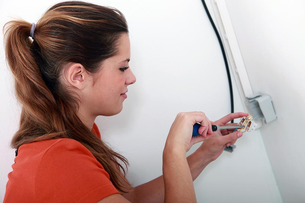 Kvinnelig elektriker